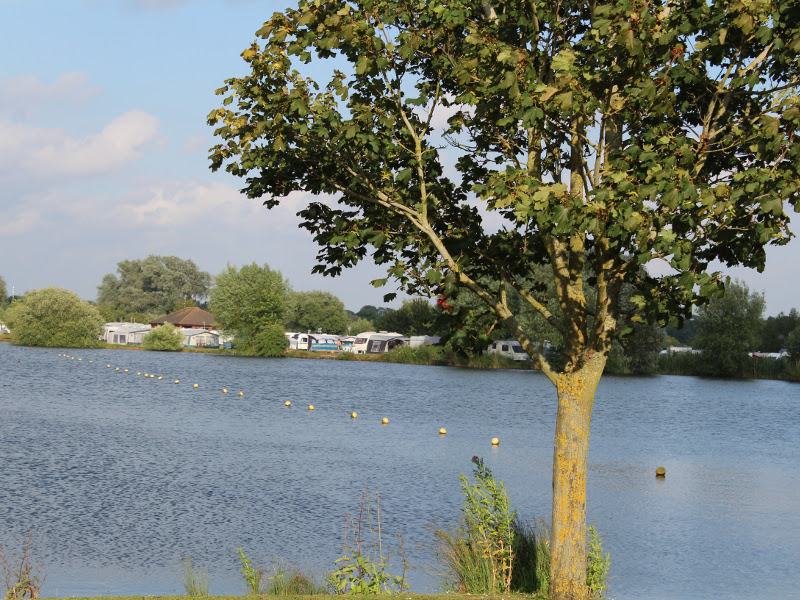 campsites and caravan parks with fishing on site